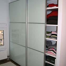Συρόμενη ντουλάπα κρεμαστή βαρέως τύπου