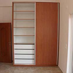 Συρόμενη ντουλάπα εσωτερική